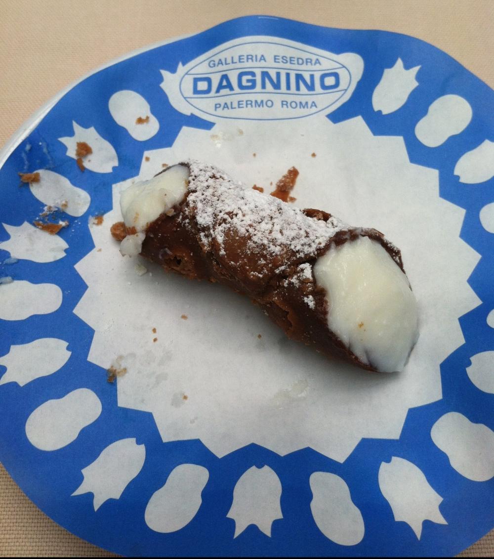 Cannoli from Dagnino Bakery