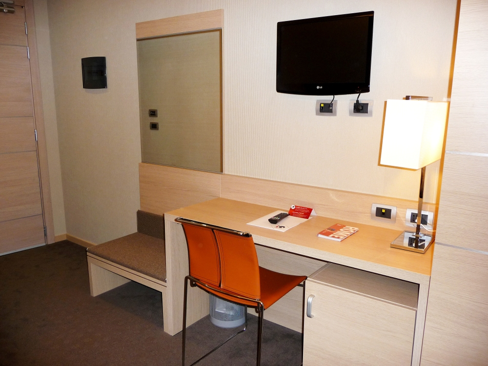 IQ Hotel Roma - Small Double Room